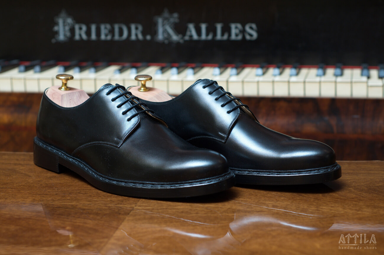 1. Derby shoes