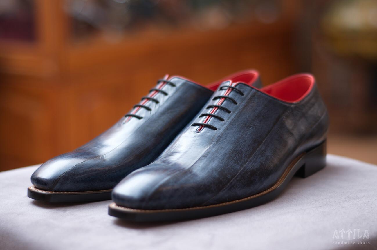 9. Eel antique blue shoes