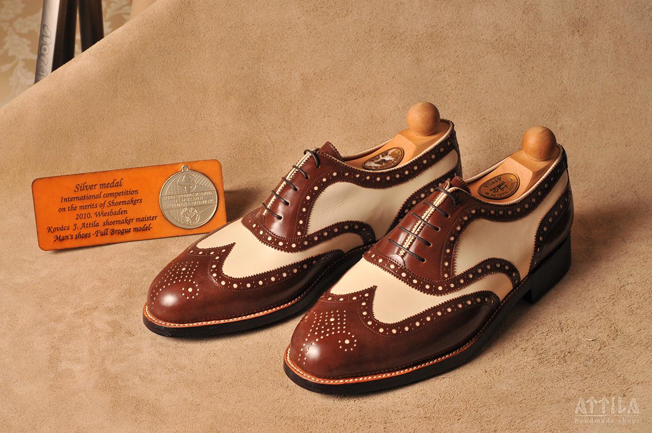 Silver award 2010 | Bicolor shoes